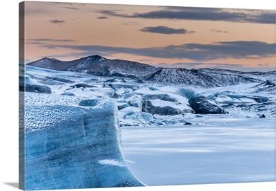 Svinafellsjoekull Glacier in Vatnajokull, Iceland