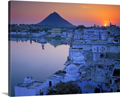 Asia, India, Rajasthan, Pushkar, the Induist sacred city and Pushkar Lake
