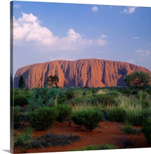 Australia, Northern Territory, Ayers Rock (Uluru), the largest monolith in the world