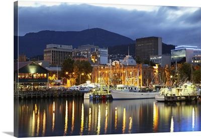Australia, Tasmania, Hobart, Sullivan's Cove, Hobart Harbor