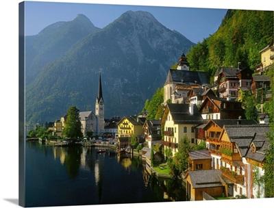 Austria, Hallstatt village and the Hallstattersee lake