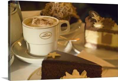 Austria, Vienna, Cakes and cappuccino at cafe Landtmann