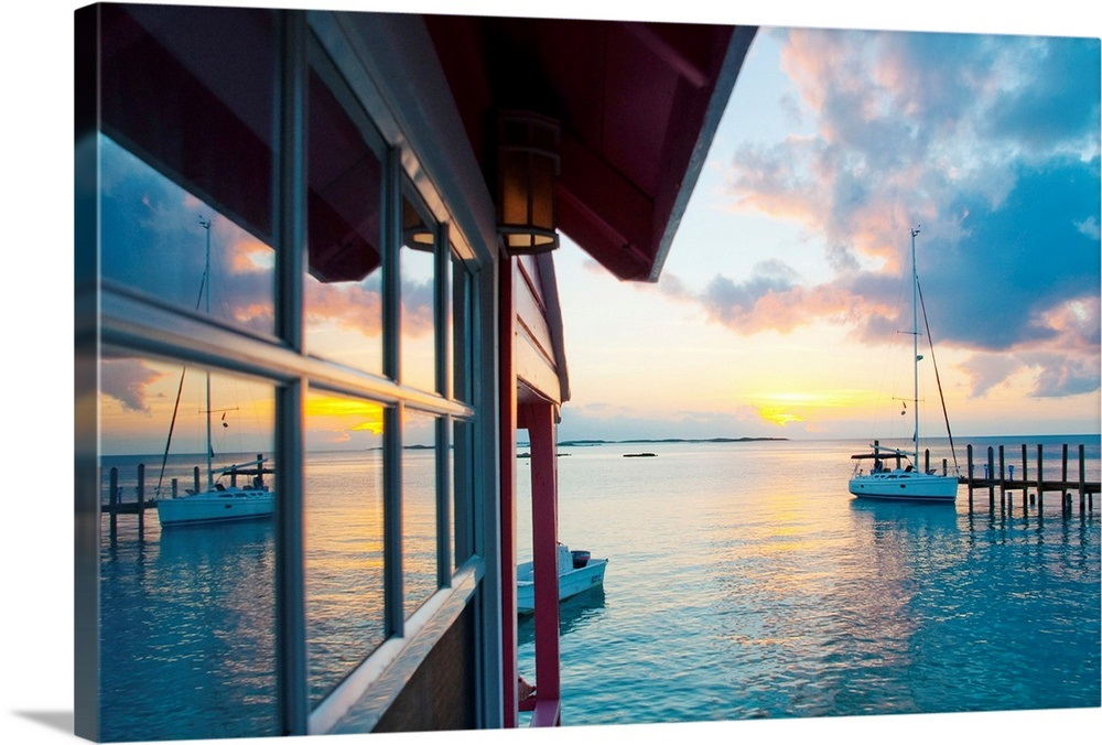 Bahamas, Exuma Cays, Staniel Cay Yacht Club, cottage on the sea
