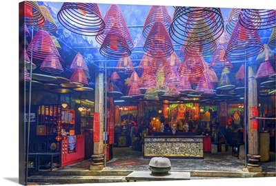 China, Hong Kong, Kowloon, Yau Ma Tei, incense in Tin Hau Temple