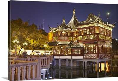 China, Shanghai, Huxinting Teahouse illuminated at night, Yuyuan Gardens