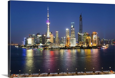 China, Shanghai, Pudong, Oriental Pearl Tower, Lujiazui Financial District