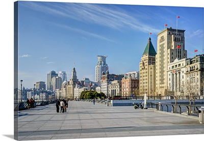 China, Shanghai, The Bund, The promenade in the morning, Peace Hotel on the right