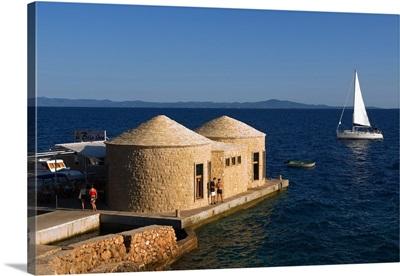 Croatia, Dalmatia, Hvar island, restaurant Bilo Idro (Whtie sail) at Sveta Nedjelja
