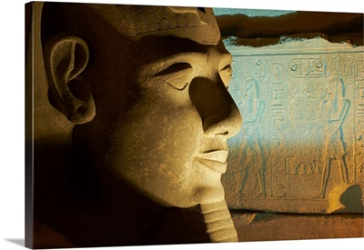 Egypt, Nile Valley, Luxor, Temple of Luxor, Statue of the Pharaoh Ramesses II
