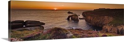 England, Cornwall, Coastal landscape at Land's end