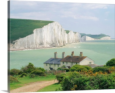 England, Sussex, Seven Sisters cliffs, view from Seaford town