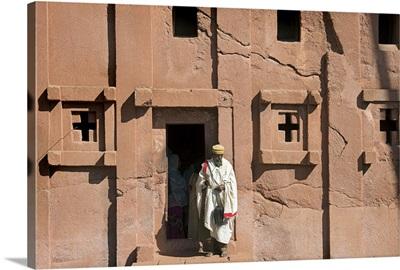 Ethiopia, Amhara, Lalibela, Monk outside the Biete Abba Libanos