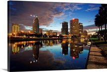 Florida, Tampa, Skyline from the park of the University and the Hillsborough River