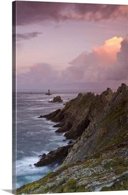 France, Brittany, Dusk descends over the La Vieille lighthouse