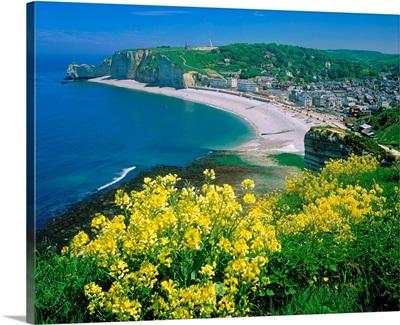 France, Haute-Normandie, Etretat, typical coast