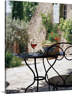 France, Provence-Alpes-Cote d'Azur, lunch on the terrace