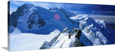 France, Rhone-Alpes, Mont-Blanc and alpinists