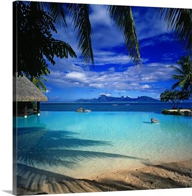 French Polynesia, Tahiti, Beachcomber Resort, view to Moorea