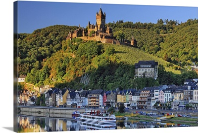 Germany, Cochem, Town on the Mosel river dominated by the imposing Reichsburg castle