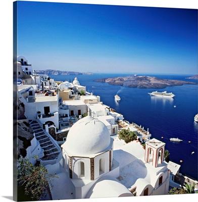 Greece, Aegean islands, Cyclades, Santorini, Fira, view towards the crater