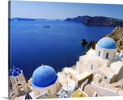 Greece, Cyclades, Santorini, Oia, view towards the sea