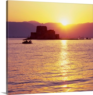Greece, Peloponnese, Argolis, Nafplio, Nauplia, Gulf of Argolis and Bourtzi castle