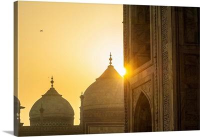 India, Agra, Taj Mahal, A Mausoleum Built In Memory Of Shah Jahan's Third Wife