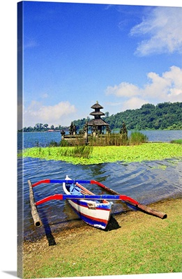 Indonesia,The XVll century Hindu-Buddhist temple of Pura Ulun Bratan Lake