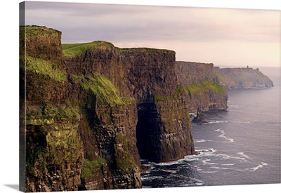 Ireland, Clare, Atlantic ocean, Sunset on the Cliffs of Moher