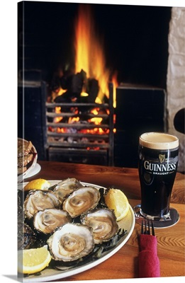 Ireland, Clare, Oysters at Monk's pub