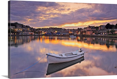 Ireland, Cork, Kinsale, View of the Kinsale Harbor with the seafront