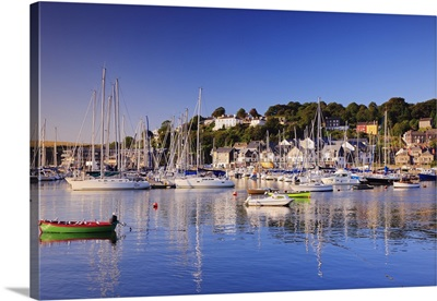 Ireland, Cork, Kinsale, View of the Kinsale Harbour with the seafront