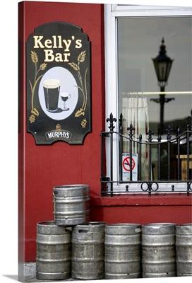 Ireland, Cork, Pub in Cobh, also know as Queenstown