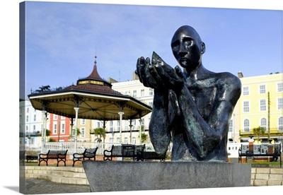 Ireland, Cork, Titanic Memorial on Cobh town square