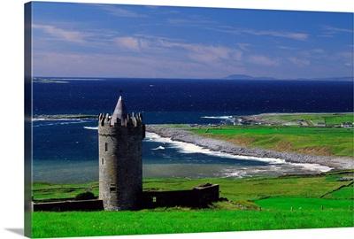 Ireland, County Clare, Coastline near Doolin village