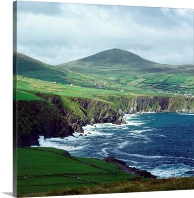 Ireland, County Kerry, Dunmore Head, coastline
