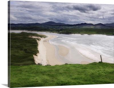 Ireland, Donegal, Inishowen Peninsula, Landscape at Five Fingers Strand beach