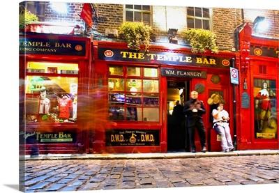 Ireland, Dublin, Temple Bar by night