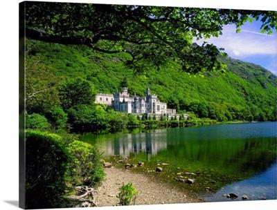 Ireland, Galway, Connemara area, Kylemore Abbey