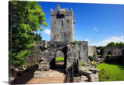 Ireland, Galway, Connemara, Aughanure Castle