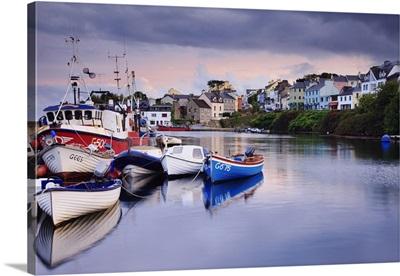 Ireland, Galway, Connemara, Roundstone, picturesque fishing harbour