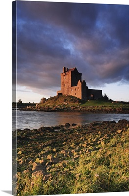Ireland, Galway, Dunguaire Castle, one of the country's best preserved castles