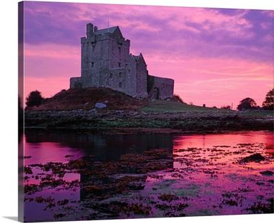 Ireland, Galway, Kinvarra village, Dunguaire Castle