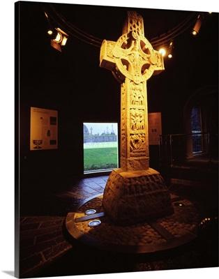 Ireland, Offaly, Clonmacnoise site, high cross