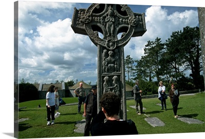 Ireland, Offaly, Clonmacnoise, The ancient monastic site of Clonmacnoise, cross