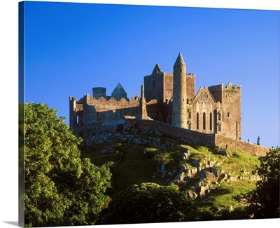 Ireland, Tipperary, Rock of Cashel, a spectacular complex of Medieval buildings