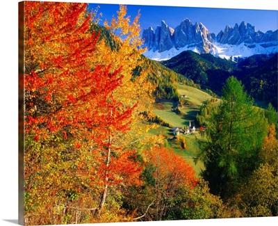 Italy, Alto Adige, Dolomites, Valley of Funes, St. Maddalena