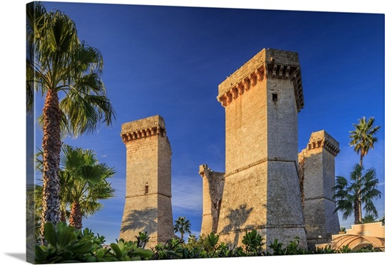 Italy, Apulia, Santa Maria al Bagno, Quattro Colonne (Four Columns ...