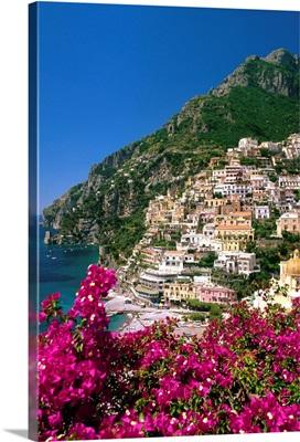 Italy, Campania, Peninsula of Sorrento, Positano, View of the town