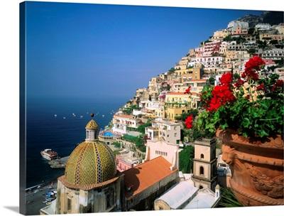 Italy, Campania, Positano, view towards the town